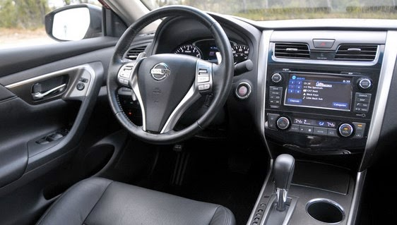 Nissan pulsar 2015 for Nissan pulsar interior