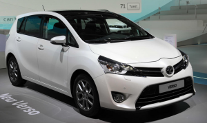2015-Toyota-Verso-front-view